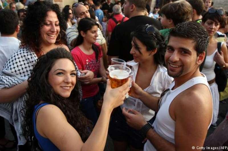 巴勒斯坦塔貝小鎮也有十月啤酒節