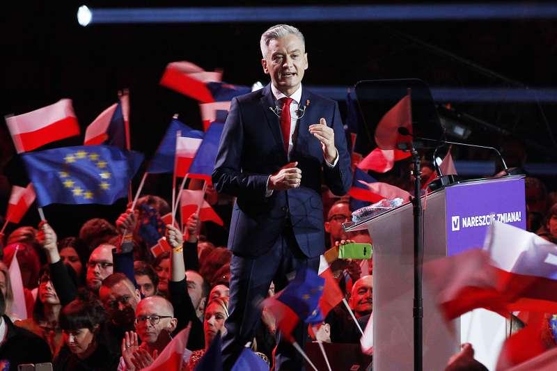 波蘭政壇新秀畢德隆(Robert Biedroń)將角逐2020年總統大位(AP)