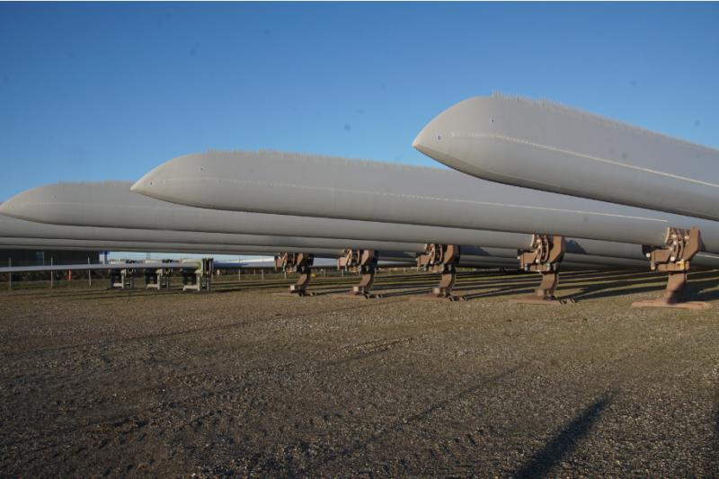 樹脂材料大廠上緯19日宣布,全球最大離岸風機製造商西門子歌美颯(Siemens Gamesa)已使用上緯所生產的樹脂材料製造首批風機葉片,並通過品質測試。圖為西門子歌美颯離岸風機葉片。(上緯提供)