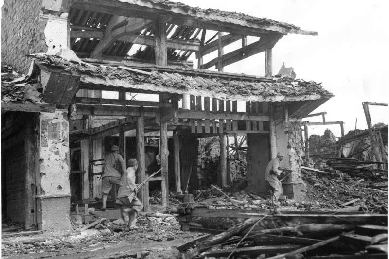 ssaa--aa-1944年反攻雲南騰衝的中國遠征軍官兵,確實為在國內戰場上丟盔棄甲的國軍將士挽回了一些顏面,讓中華民國在擊敗日本的軍事貢獻上不會輸給自由波蘭。(作者提供)