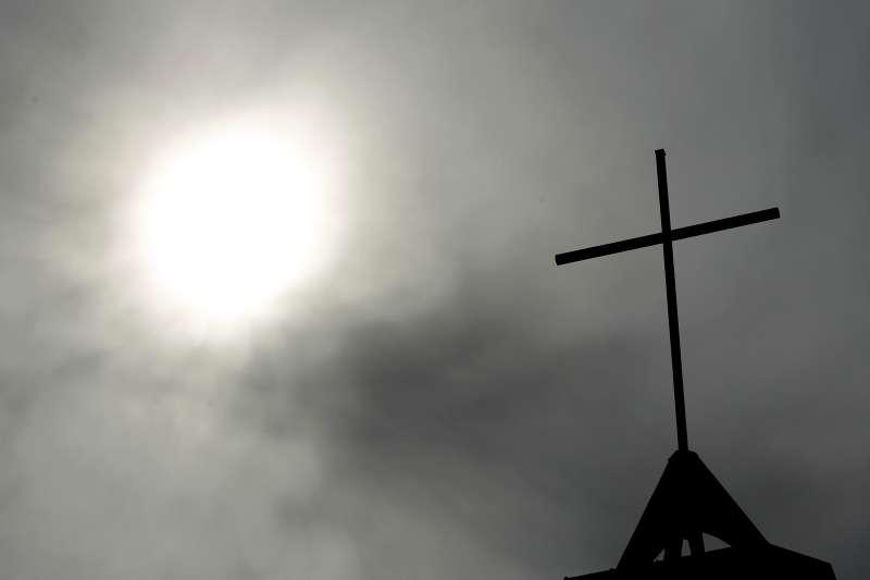天主教男性教士性侵醜聞持續延燒,陰霾籠罩梵蒂岡(Oswald Gracias)