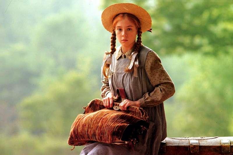 為何在童話故事、世界名著、甚至電影中的紅髮角色,都是被周遭人歧視的對象呢?(圖/imdb官網)