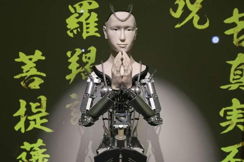 講述佛法中的智能機器人觀音「Mindar」(圖/潮日本)