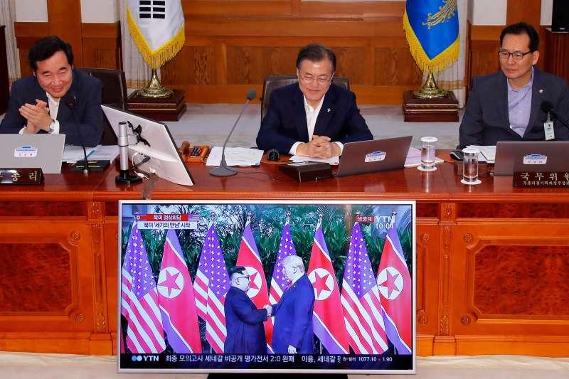 南韓的文在寅政府28日全程監看河內川金會的動態。(美聯社)