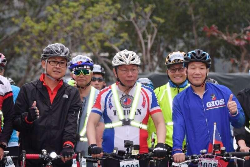 20190228-台北市長柯文哲28日上午騎自行車進行一日雙城活。(台北市政府提供)