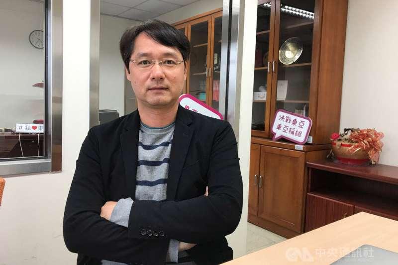 政大東亞所所長王信賢(圖)分析,北京認為「一中各表」,反而使「中華民國」有存在空間,因此不再允許這種戰略模糊空間,以奪回主導權。