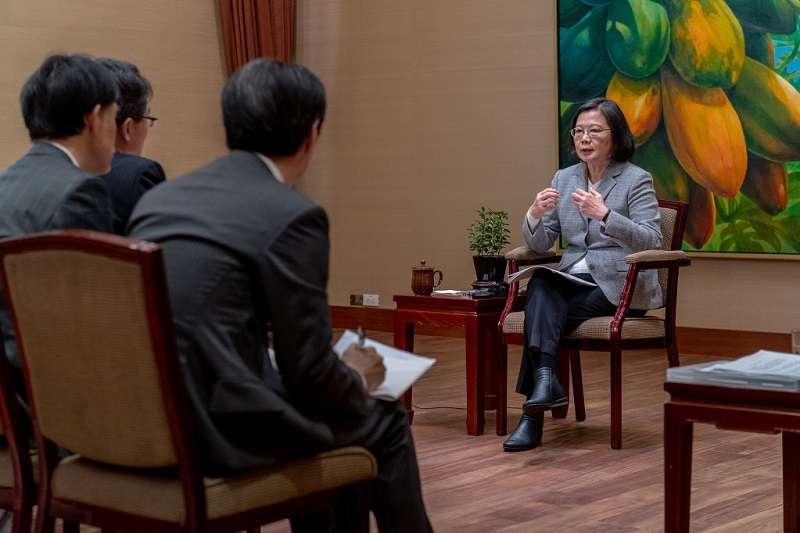 蔡英文總統接受日本產經新聞專訪。(總統府)