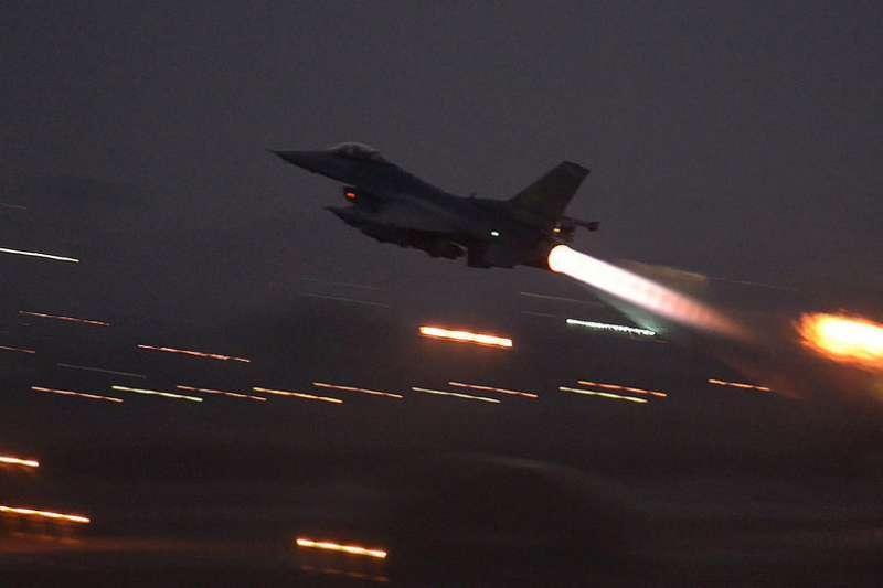 巴基斯坦裝備有核武器的F-16,可抵達印度中央地區,如果能够穿越印度防空系统的話。(美聯社)