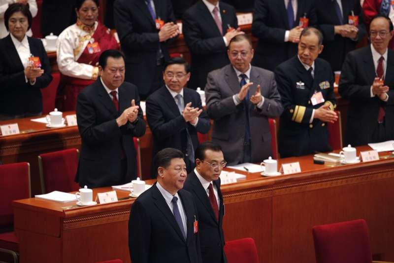中國國家主席習近平(左)與國務院總理李克強(右)檯面下關係並不和睦。(美聯社)
