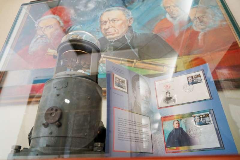 緬懷希奇神父和幾位教宗。(曾廣儀攝)