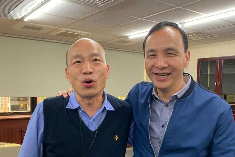 前新北市長朱立倫(右)今日說,如果我們不夠努力、不夠強,讓大家都只能期待高雄市長韓國瑜(左),韓國瑜當然是國民黨最大希望。(資料照,取自朱立倫臉書)