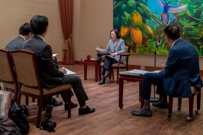 總統蔡英文接受日媒專訪,首度表明進行台日安保對話的意願。(翻攝自蔡英文Twitter)