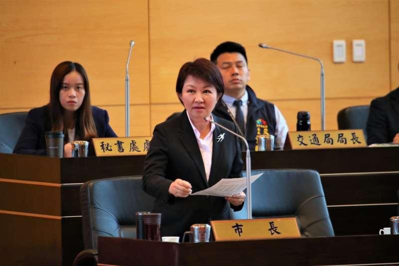 台中市長盧秀燕7日在市議會臨時會中強調,老人健保費補助經費已經準備好了,只需送議會通過即可實施。(圖/台中市政府提供)