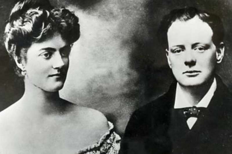 邱吉爾和克萊門汀大婚之前一星期。(BBC中文網)
