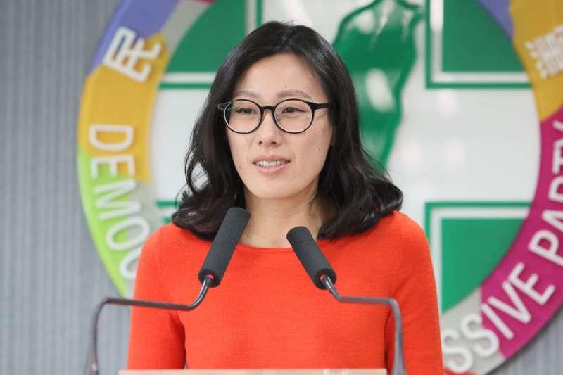 民進黨發言人李明俐批國民黨阻礙進步。(柯承惠攝)