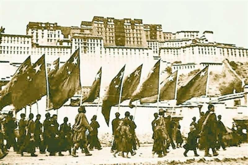 1951年10月21日,解放軍正式進入西藏拉薩。(維基公有領域)