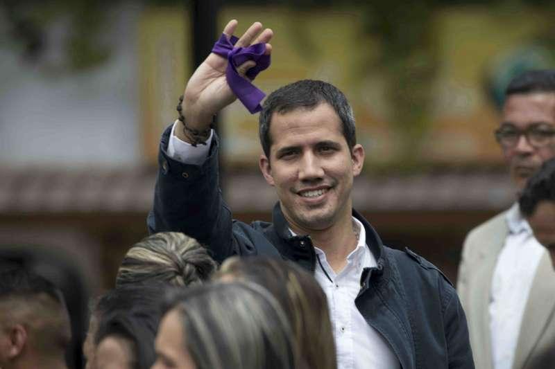2019年3月,委內瑞拉「總統」瓜伊多與支持者(AP)