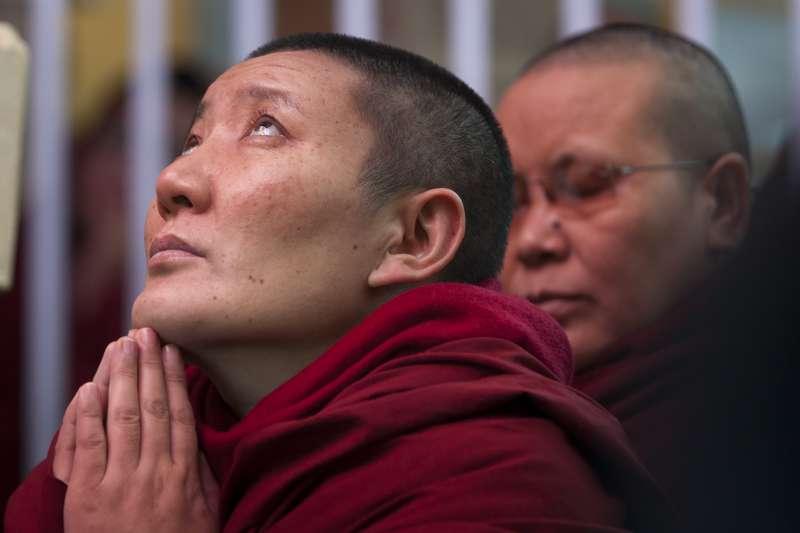 西藏最高精神領袖達賴喇嘛在印度的支持者(AP)