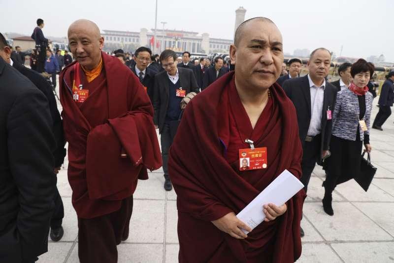 2019年3月,參加中國兩會的西藏喇嘛代表(AP)