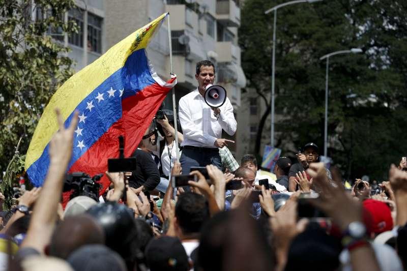 委內瑞拉危機:臨時總統瓜伊多呼籲支持者保持機動性(AP)