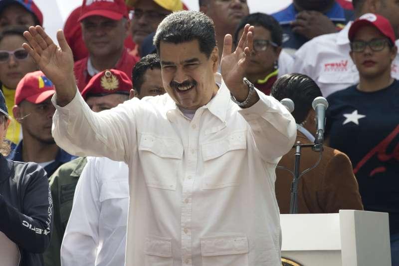 委內瑞拉危機:總統馬杜洛指控美國造成大停電,痛罵臨時總統瓜伊多是美國傀儡(AP)