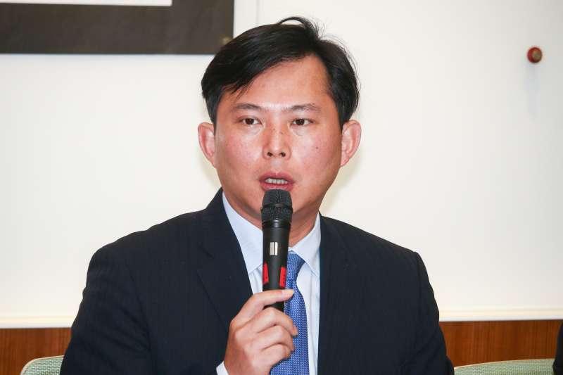 拒絕「紅色媒體」 黃國昌擬修廣電三法-風傳媒