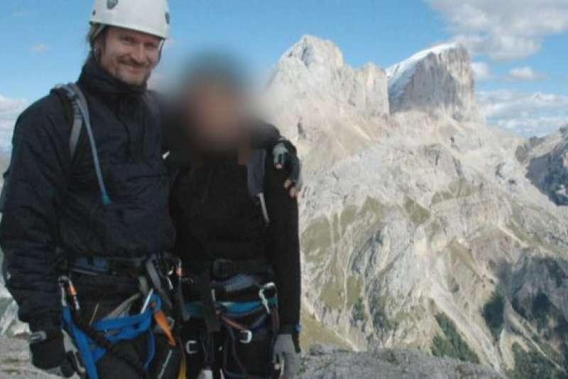 馬克·肯尼迪和「麗莎」(化名)在義大利阿爾卑斯山區度假。(BBC中文網)