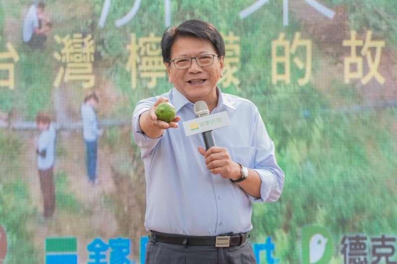 屏東縣長潘孟安攜手頂新集團,推動以銷定產的新契作模式,讓屏東檸檬銷量創下新高。(取自潘孟安臉書)
