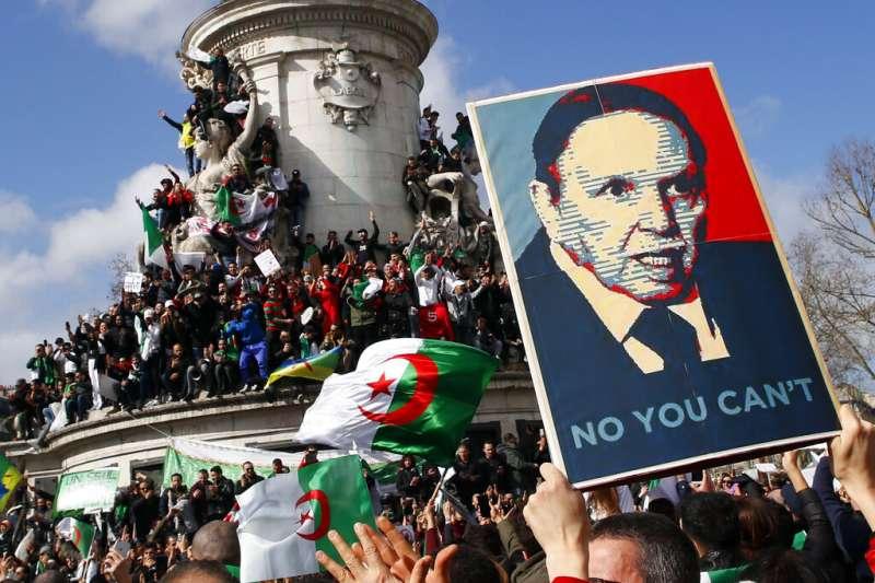 阿爾及利亞近日爆發大規模示威,要求82歲的老總統布特佛利卡不要再競選連任。(美聯社)