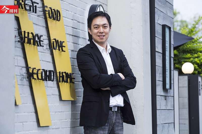 現任Google軟體設計師的馬萬鈞,獲得了2019年奧斯卡獎科學技術成就獎,成為第一個獲此殊榮的台灣人。但與其談奧斯卡獎、台灣之光,馬萬鈞更想談的是數位光影。他說,「我不是台灣之光,只是一個工程師」。(圖/陳弘岱,今周刊提供)