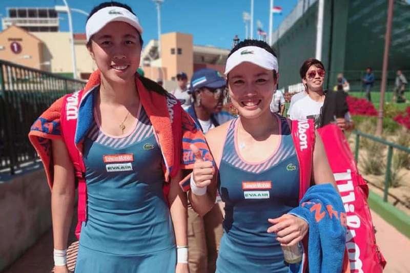 詹詠然與詹皓晴姐妹在布里斯本網賽首輪遭遇苦戰,最終也遭到淘汰。(圖取自詹詠然臉書)