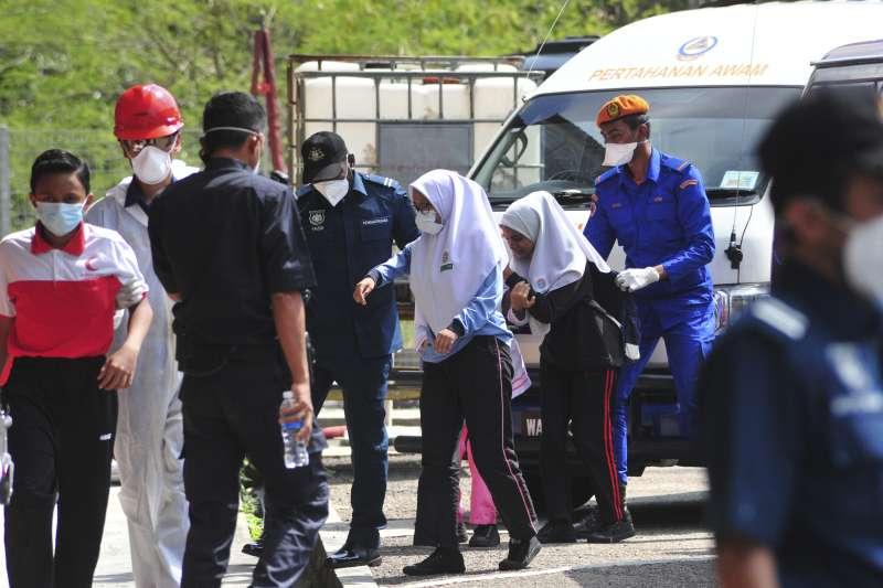2019年3月13日,馬來西亞南部柔佛州工業大城巴西古當爆發毒氣汙染,造成至少500人送醫、300人住院治療。(AP)