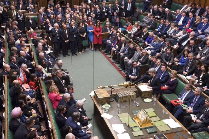 英國下議院14日表決是否推遲脫歐。(美聯社)