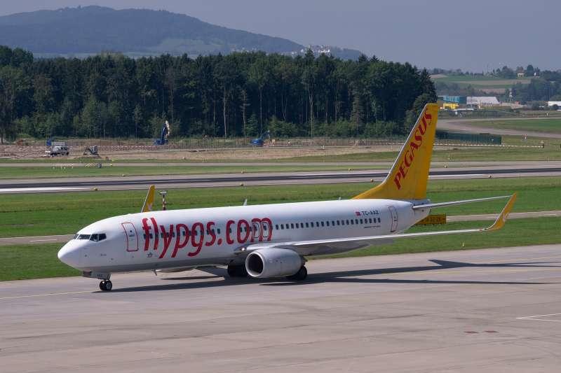 2019年3月15日,俄羅斯一架波音737-800客機疑似因為引擎故障而迫降。圖為土耳其飛馬航空同款的波音737-800。(Image by b1-foto from Pixabay )