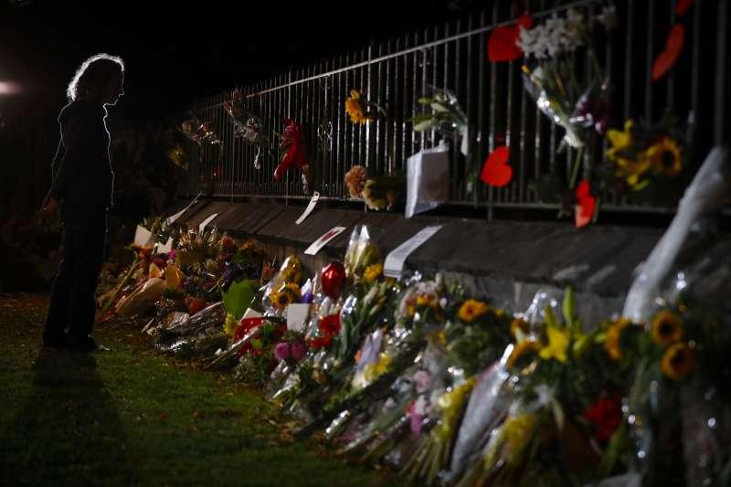 2019年3月15日,紐西蘭基督城兩座清真寺遭到白人至上主義者恐怖攻擊,舉國震悼(AP)