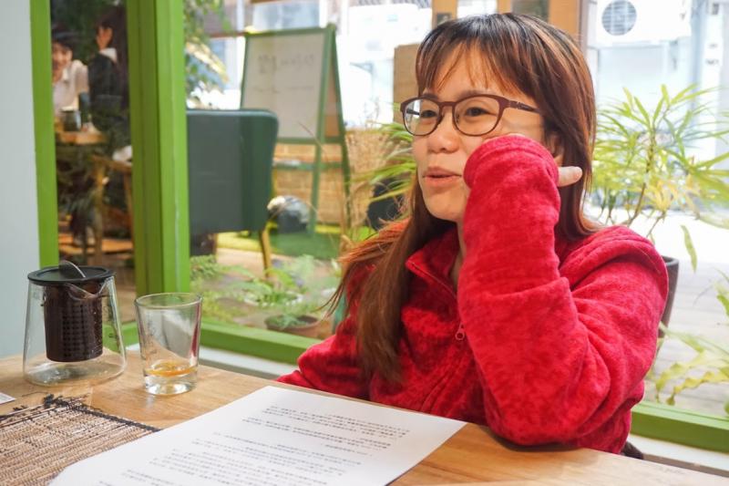 20190317 uploaded-黃燕茹專訪-在318運動時期任糾察組組長的黃燕茹,是那一批「組長與指揮」中少見的女性身影;運動過後她進入民進黨工作,成為一位青年政治工作者。(臺灣青年民主協會提供)