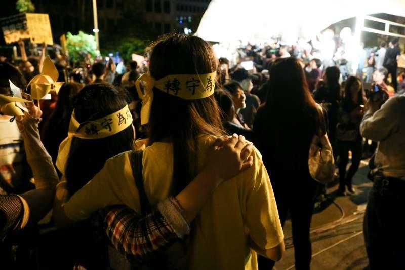 20140410-SMG0019-258-學生佔領立法院最後一天,立法院外學生與群眾情況。(余志偉攝)