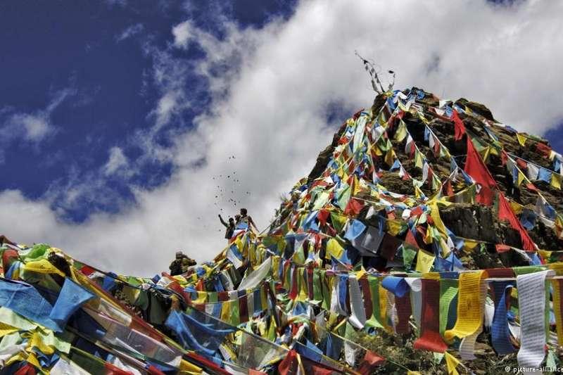 本周是西藏起義60周年紀念日。因談論西藏問題而改變命運的時評人長平繼續他的「改革開放40年」個人紀念。(DW)