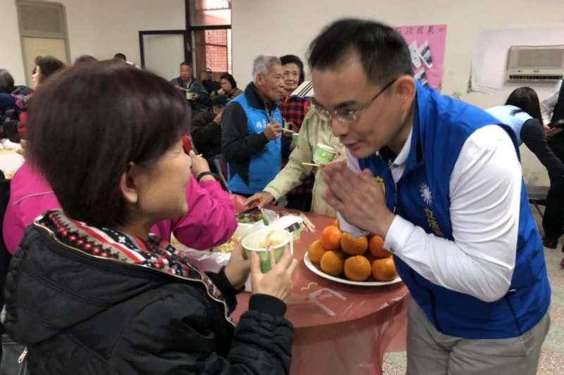 台灣創新法律協會理事長簡榮宗投入2020年汐止區立委選舉。 他的選區有144個里,目前已跑了超過一半。(取自簡榮宗臉書)