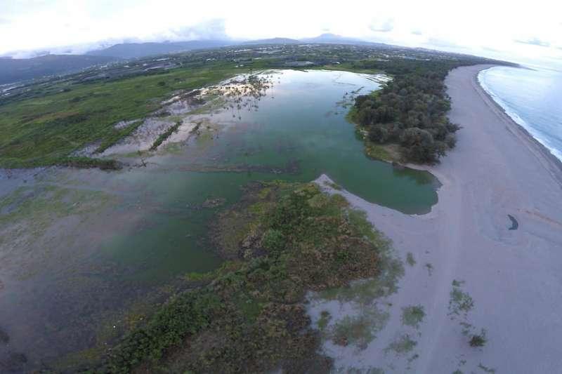 20190321-台東知本濕地是卡大地步落的傳統領域,2017年縣府將當地226公頃土地規劃做為光電示範專區,面積為全台最大。(取自環境資訊中心網站)