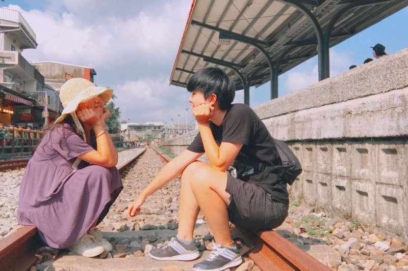 「我們真的沒有要『特權』,我們只是想跟一般人一樣。」在台灣一次只能待上3個月、每次都是哭著分離,他們最盼望的是在台灣能一起有個家,平凡地每天向對方說早安晚安...(Akko與韓國女友Romilly的故事於本系列另篇報導。圖為伴侶盟提供)