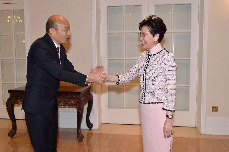 香港特首林鄭月娥22日上午在禮賓府,與到訪的高雄市市長韓國瑜會面,並共進午餐。(取自香港政府網站)