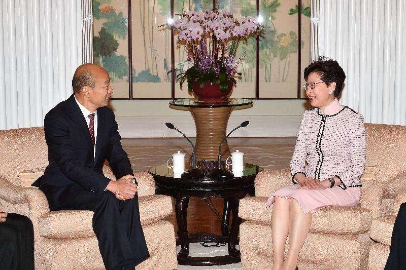 2019年3月22日,行政長官林鄭月娥在禮賓府與到訪的高雄市市長韓國瑜會面,並共進午餐。(香港政府)