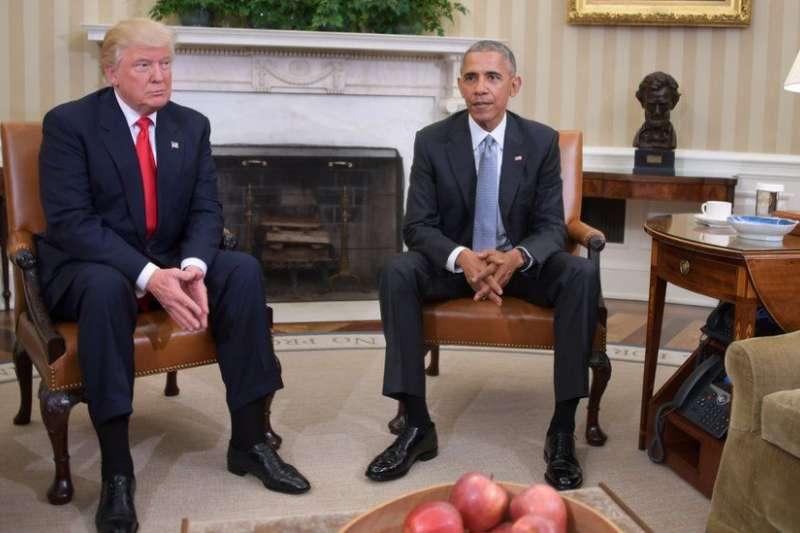 2016年11月10日,美國總統歐巴馬與新當選的總統川普在白宮會晤,商談交接問題。(BBC)