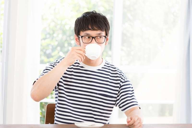 每天固定喝2杯咖啡,不喝竟然就頭痛?(示意圖/pakutaso)