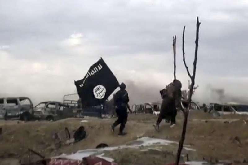 近期伊斯蘭國被圍困在敘利亞的巴古茲鎮(美聯社)