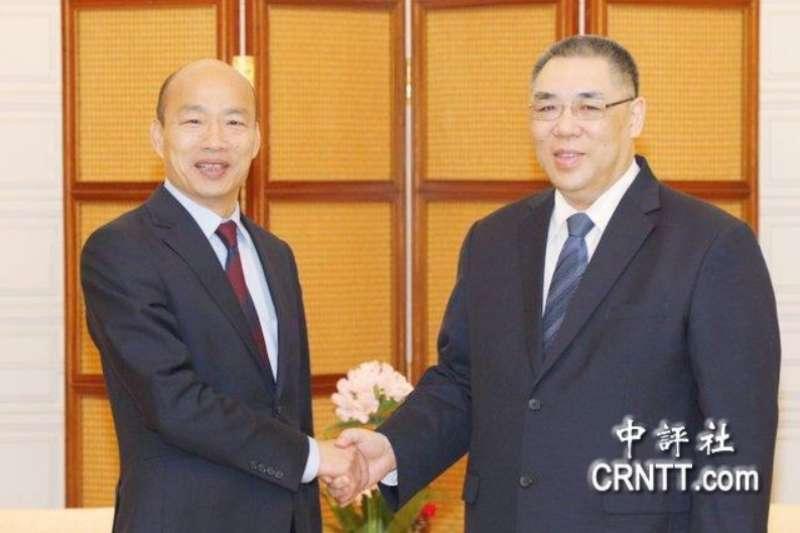 高雄市長韓國瑜(左)22日展開出訪行程,今(23)日與澳門特首崔世安(右)會面。(取自中評社)