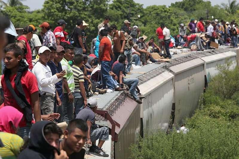 移民只佔全世界人口的4%。(BBC)
