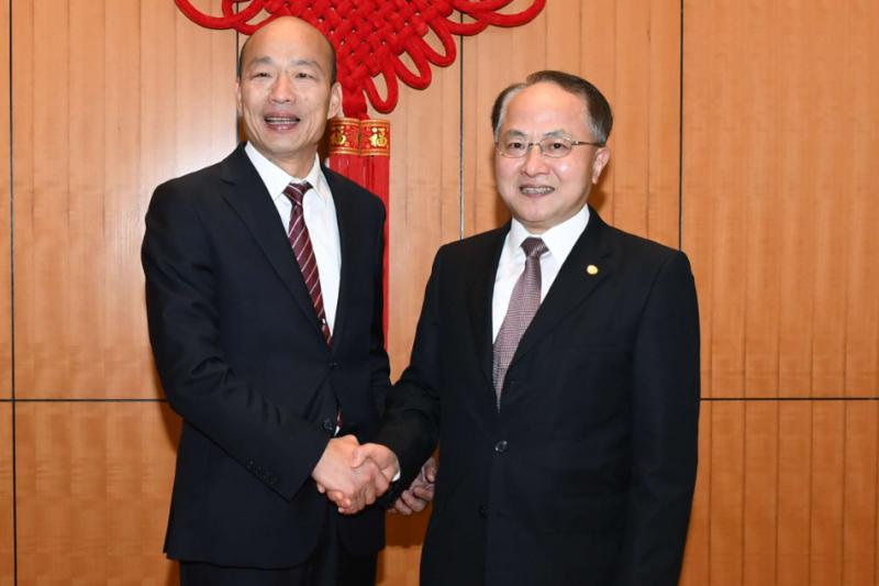 20190323-高雄市長韓國瑜(左)訪港首日,會見香港中聯辦主任王志民(右)。(取自香港中聯辦網站)