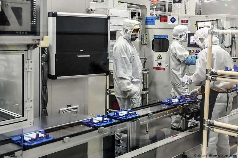 電動汽車的主要電池制造商都是來自亞洲,尤其是中國的企業发展迅速。對歐洲企業來說, 現在想趕上可能為時已晚。(德國之聲)